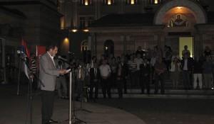 Savo Štrbac govori u porti hrama Hrista Spasitelja, Banja Luka, 03.08.2014. foto: Veritas Banja Luka