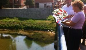 """Нови Град: Вијенац за страдале у """"Олуји"""" - Фото: СРНА"""