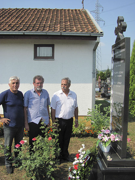 Počast pripadnicima Srpske vojske Krajine sa područja Dalmacije, poginulim u julu 1995. na Dinari. Banja Luka, Perduovo groblje, 7.8.2015. Foto: Srna / Milomir Savić