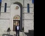 Саво Штрбац испред Цркве Светог Саве у Мерилвилу, Индијана фебруар 2016.