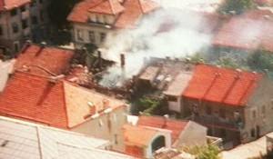 Hrvatsko granatiranje Knina 5.8.1995. godine Foto: Sputnjik / AFP / Dutch NOS TV, screenshot