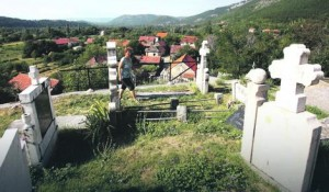 Srpsko pravoslavno groblje, Golubić, Knin Foto: Blic / RaS Srbija