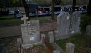 Knin: Deložacija Srba sa Pravoslavnog groblja u Kninu