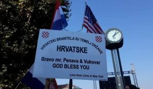 Transparent sa protesta u Vukovaru, 13.10.2018. Foto: Braniteljski potal.com