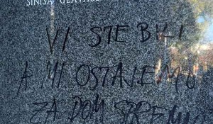Veličanje ustaštva uoči vukovarske kolone, spomen tabla ispred HDN Foto: Politika, Infex.hr