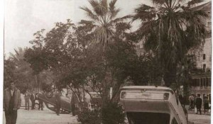 Split: Automobl sa beogradskim tablicama na splitskoj rivi, 1969. Foto: Twitter