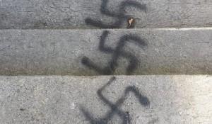 Zadar: Crtanje kukastih križeva širi se povijesnom jezgrom Foto: 057info.hr