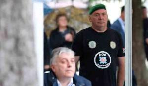 Ustaške majice HOS.a u Okučanima Foto: Politika, Beta,Hina, Admir Buljubašić