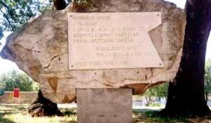 Split: Oštećen spomenik Prvom partizanskom odredu Foto: Dalmacija danas