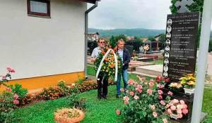Polaganje venaca na Perduvovom i Novom groblju u Banja Luci, 6.8.2020. Foto: DIC Veritas