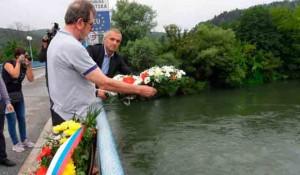 Novi Grad, Svodna: Vijenci sa Mosta spasa, 6.8.2020. Foto: RTRS, Srna