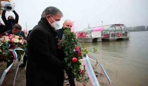 Vukovar: Delegacija SNV polaže venac za stradale žrtve, 2020. Foto: Index.hr