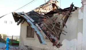 Porušena kuća u Glini Foto: Protal Novosti