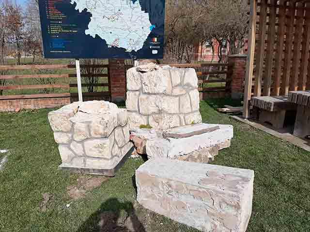 Noskovačka Dubrava: Srušen spomenik žrtvama hrvatskih ustaša Foto: Srpsko narodno vijeće