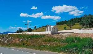 Gradi se spomen-kapela na Petrovačkoj cesti, 7.8.2021. Foto: DIC Veritas