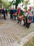 Surčin: Položeni venci u spomen na vojnike JNA likvidirane na Koranskom mostu u Karlovcu 1991. i predstavljena knjiga pamćenja Foto: DIC Veritas